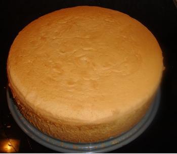 Biskuit kuchen mit fondant
