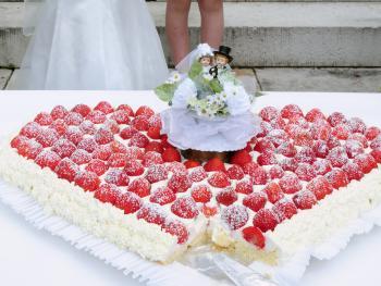 Erdbeerherz Als Hochzeitstorte Torten Kuchen Forum Chefkoch De
