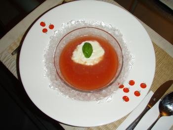 Tomatensuppe geeist heiße Sommertage 850615259