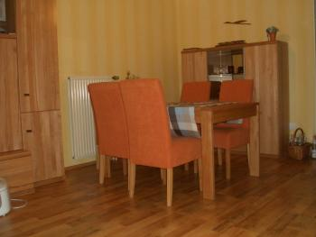 welche wandfarbe pa t zum sofa haus garten forum. Black Bedroom Furniture Sets. Home Design Ideas
