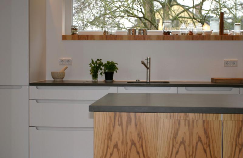 granit arbeitsplatte zu fronten panna und olive hell. Black Bedroom Furniture Sets. Home Design Ideas