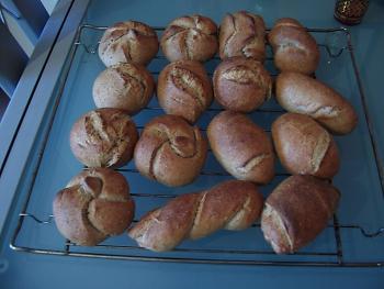 Brot Brötchen backen 23 10 29 10 2009 3400663984