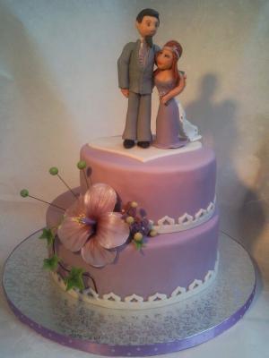 Hochzeitstorte In Flieder Mit Hibiskus Motivtorten Fotos Forum