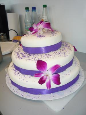 Hochzeitstorte Lila Mit Orchideen Motivtorten Fotos Forum
