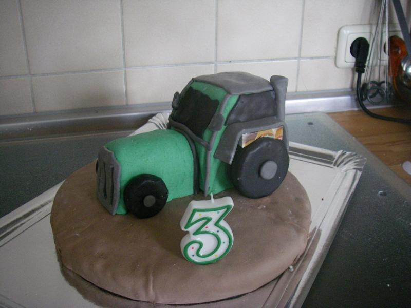 Traktor Zum 3 Geburtstag Motivtorten Fotos Forum Chefkoch De