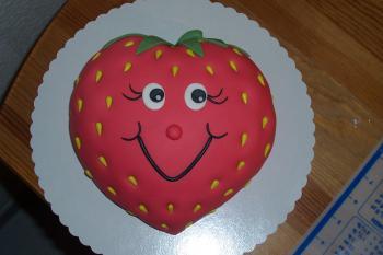 Erdbeere und Schlange für Kindergeburtstag - Motivtorten Fotos ...