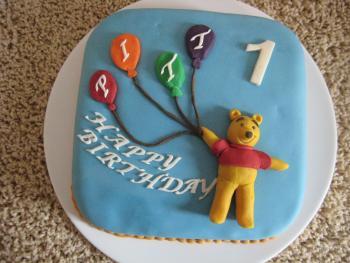 Eine Winnie Pooh Torte Zum 1 Geburtstag Motivtorten Fotos Forum