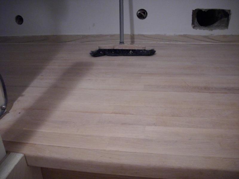 holzstufen abschleifen und wei pigmentieren haus garten forum. Black Bedroom Furniture Sets. Home Design Ideas