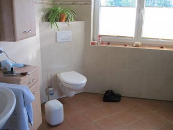 hilfe bei der badezimmeraufteilung wohin mit der. Black Bedroom Furniture Sets. Home Design Ideas
