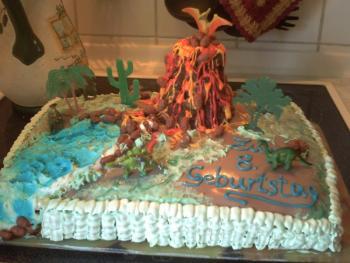 Dinosaurier Kuchen Dinolandschaft Motivtorten Forum Chefkoch De
