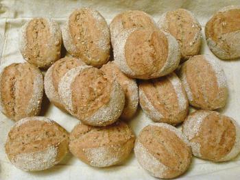 Brot Brötchen backen 23 10 29 10 2010 747505728