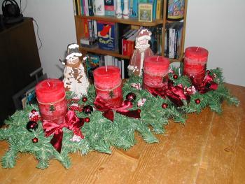 am weihnachtskranz gespart und selbst gemacht haus. Black Bedroom Furniture Sets. Home Design Ideas